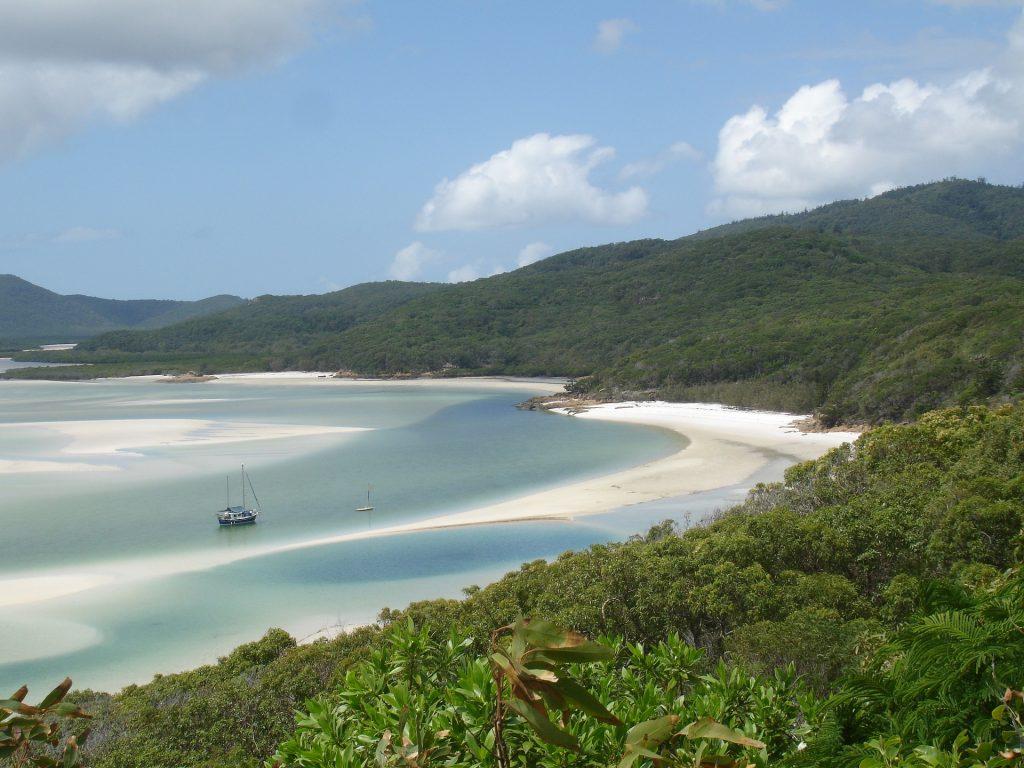 The Big Australian Bucket List Sail the Whitsundays