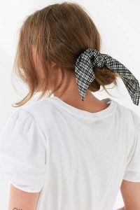 Urban Outfitter Gifts Under $25 all bloggers will love bloggers gift guide. Printed silky Mini Square Scarf