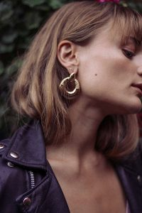 Urban Outfitter gifts under $25 all bloggers will love. Chunky Door Knocker Hoop Earring