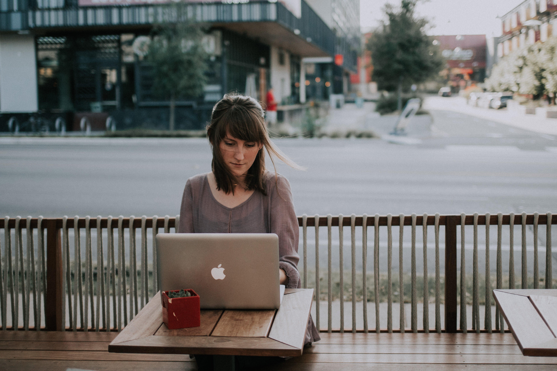 6 Reasons you should hire a digital nomad