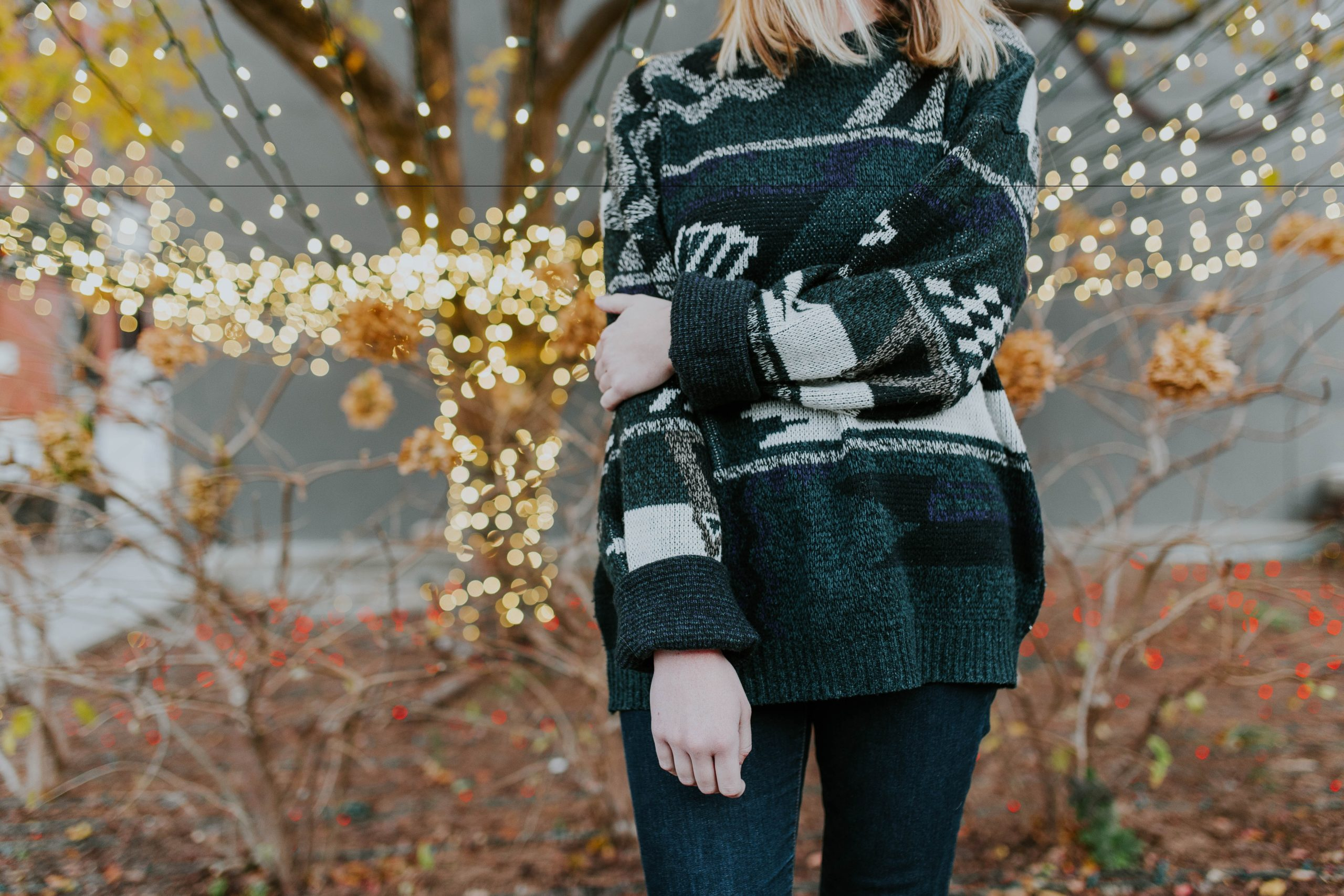 How to Look Stylish on a Budget During the Holiday Season