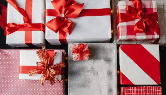 Finding Appropriate Gifts To Give Your Employees