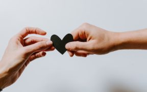 3 Signs You Should End Your Relationship