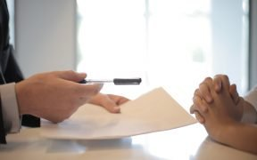Important Tips To Resolve Legal Issues In Business