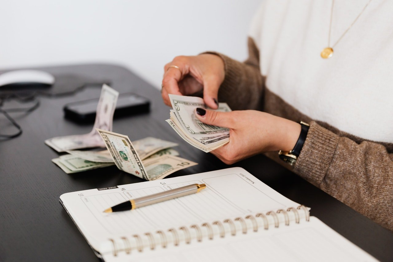 Do bloggers actually make money and other blogging questions answered